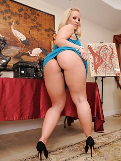 Milf High Heels Pictures